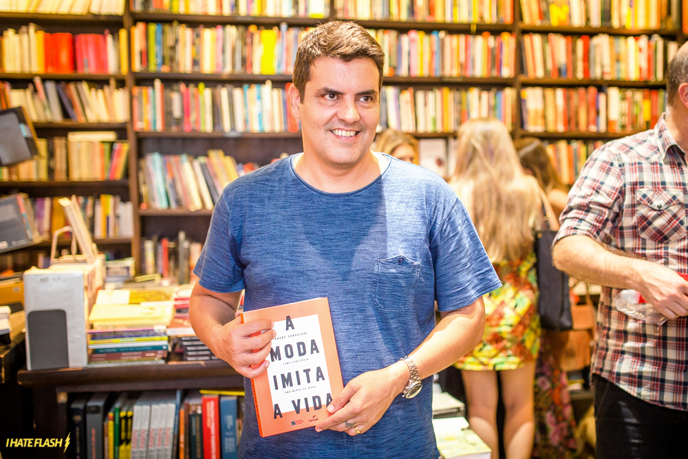 """Lançamento do livro """"A moda imita a vida"""""""
